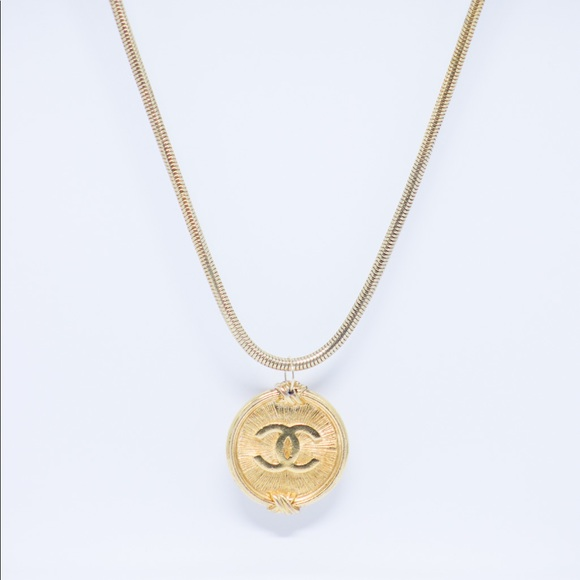 c7414d671aa7 CHANEL Jewelry | Authentic Vintage Pendant With Gold Chain | Poshmark